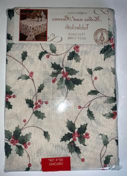 "Benson Mills ""Hollies & Berries"" Textured Cloth Tableclo"