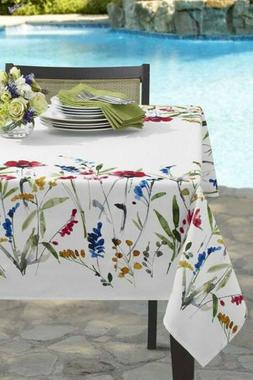 Benson Mills Wild Flower Indoor/Outdoor Spillproof Tableclot