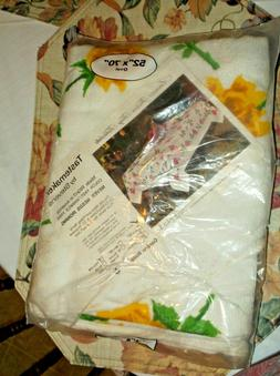 YELLOW ROSES TERRYCLOTH TABLE CLOTH NOS 52 X 70 OVAL TASTEMA